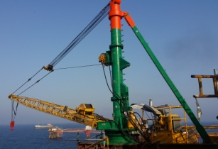 A Sparrows ECR20 crane on rental in the Middle East
