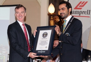 Lamprell CEO Jim Moffat  Guinness World Records adjudicator Samer Khallouf - EDIT