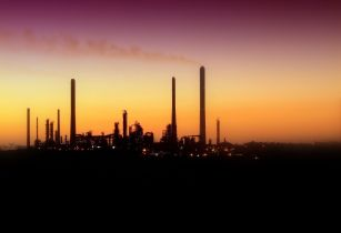 Oil refinery - Middle East - Saudi