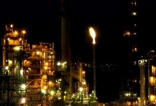 Refinery algeria-RandyA38 flickr